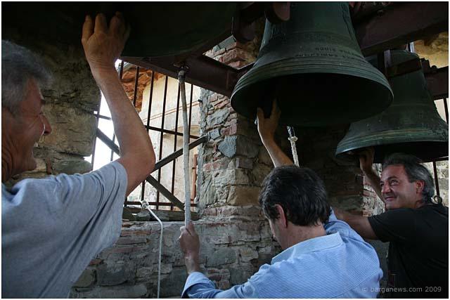 bellringers-in-fornacetta-barga-2009006