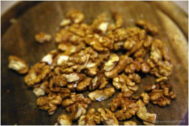 castagnaccio-chestnuts-barga-2009003