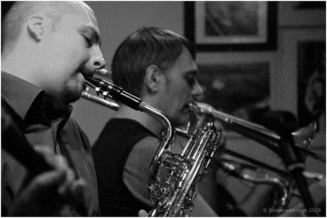 mr-pitiful-play-barga-jazz-club-barga-2009005