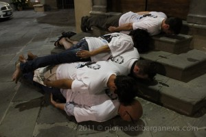 planking for pascoli in piazza angelio barga italy