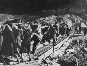 Barghigiani in fuga dopo la controffensiva tedesca del 26 dicembre 1944